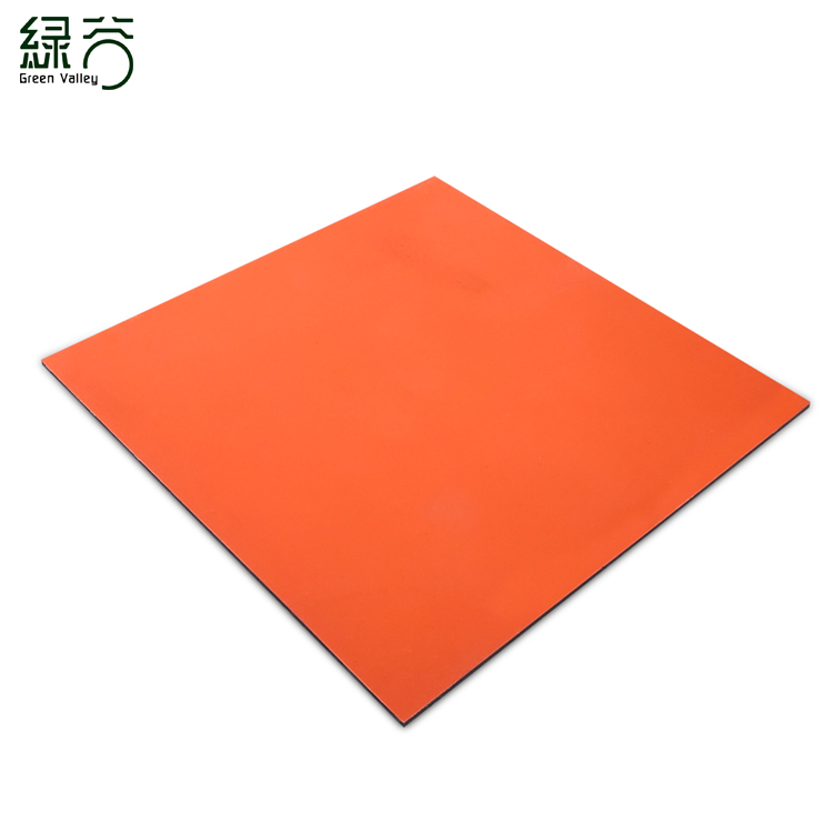 Rubber floor mat with right angle edge